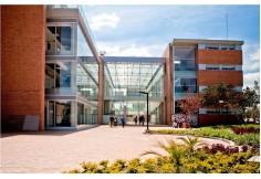 Foto Universidad de la Sabana - Departamento de Lenguas y Culturas Extranjeras Extranjero Centro